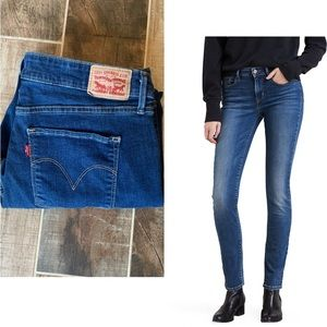 ✨ Levi's Classic Mid Rise Skinny Jeans Med Wash